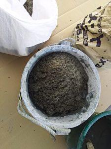 砂を入れる