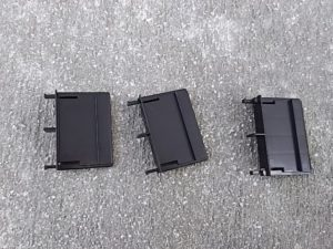 戸車上昇防止プレート