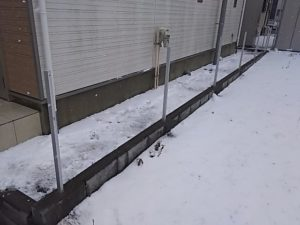 フェンスの柱立て完了