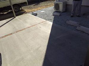 土間コンクリートに取り付け