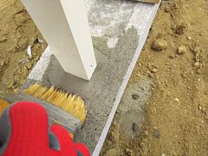ハケでブロックを掃除&形を整える