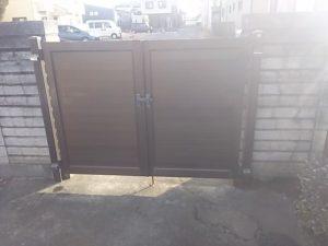 解体撤去前の門扉